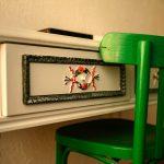 """Detaliu mobilier restaurat, pictat manual, """"Cuibul de la Mare"""", cazare pensiune Corbu"""