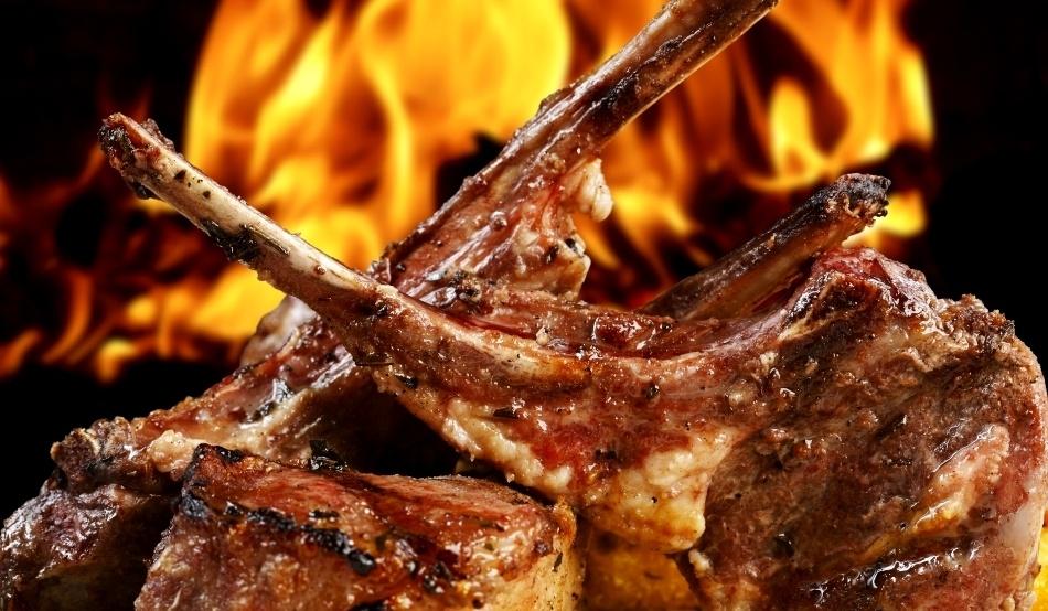 Frigerea pe jar sau pietre încinse a fost, probabil, prima metodă de a găti.